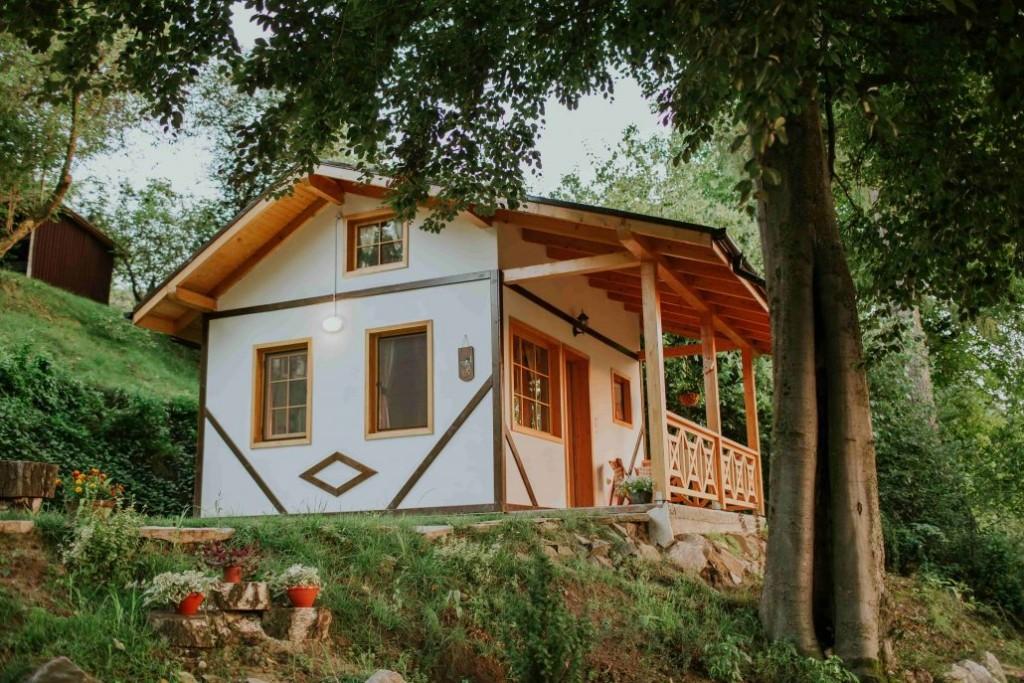 Cosama Village - cabană cu ciubăr