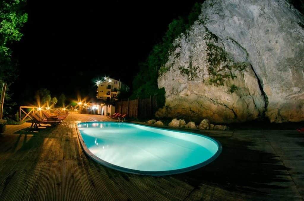 Pensiune cu piscina