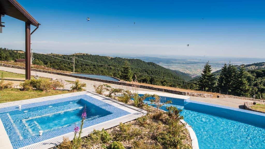 Pensiune cu piscina Castelnor