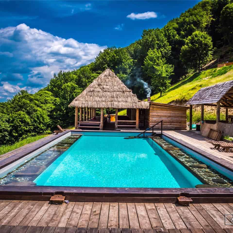 pensiuni cu piscina